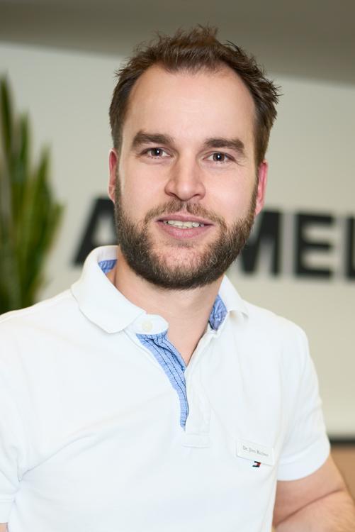 Dr. med. <b>Jörn Thomas</b> Richter - 04